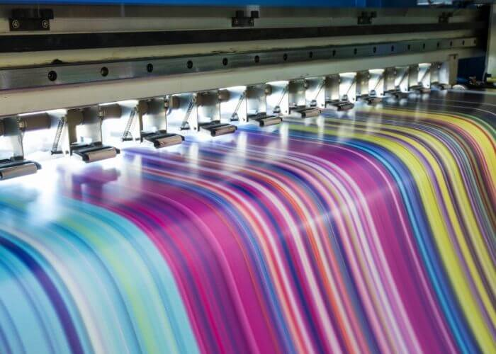 large format digital printing during a multi-color print run
